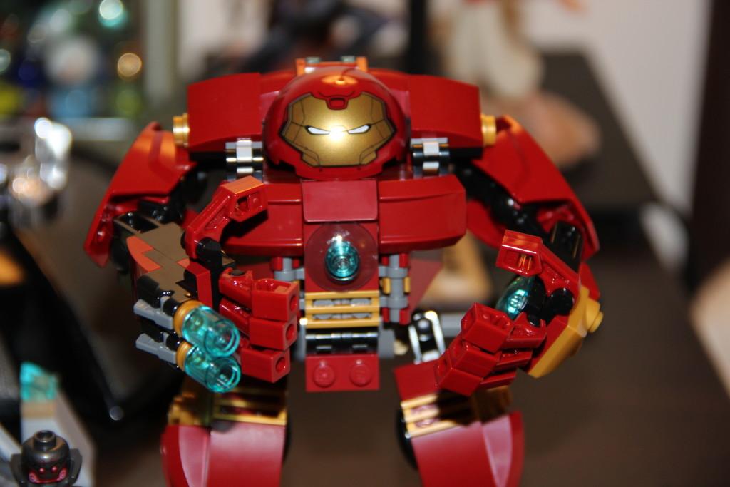 Lego Hulk Buster 1