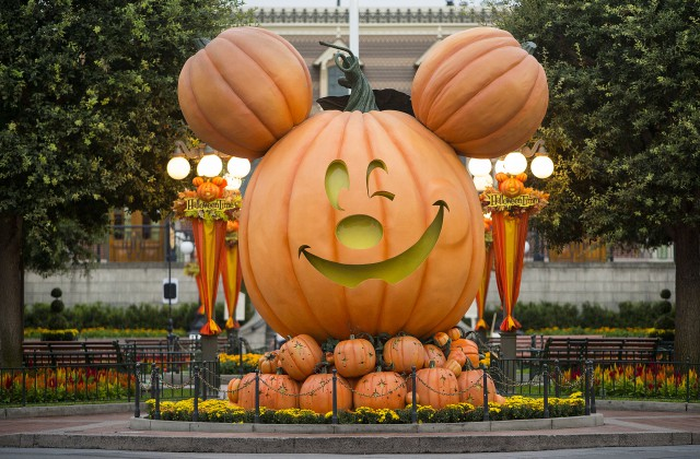 New 'Paint the Night' Parade Added to Entertainment for Mickey's Halloween Party, Joining 'Halloween Screams' Fireworks