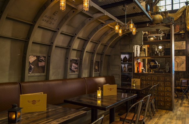 Indiana Jones Themed Quot Jock Lindsey S Hangar Bar Quot Opens At