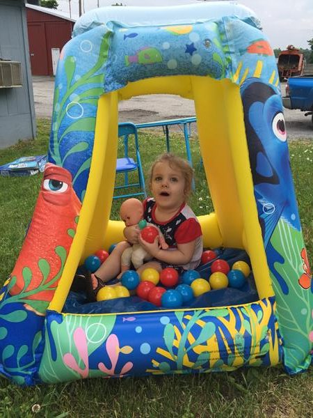 Review: Finding Dory Table & Chairs / Playland (JAKKS Pacific)