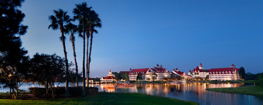 Disney World Closes Down 7 Seas Lagoon Beaches