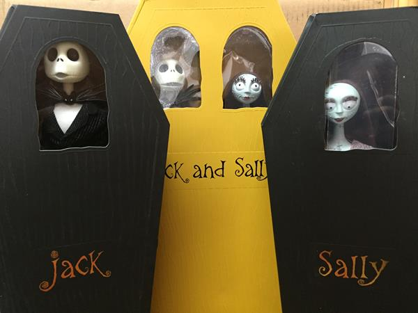 Review: Nightmare Before Christmas Coffin Dolls- Part 1 (Diamond Select)