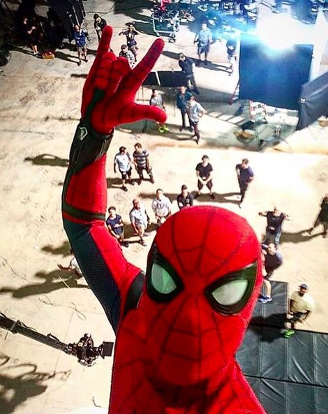 Tom Holland Shares The Perfect Spider-Man Selfie