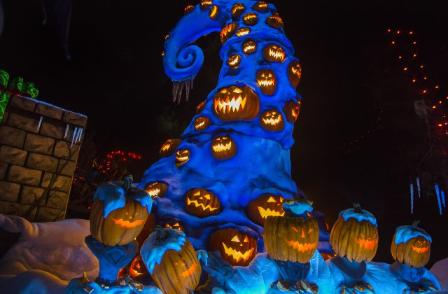 Mickey's Halloween Party Returns To The Disneyland — DisKingdom ...