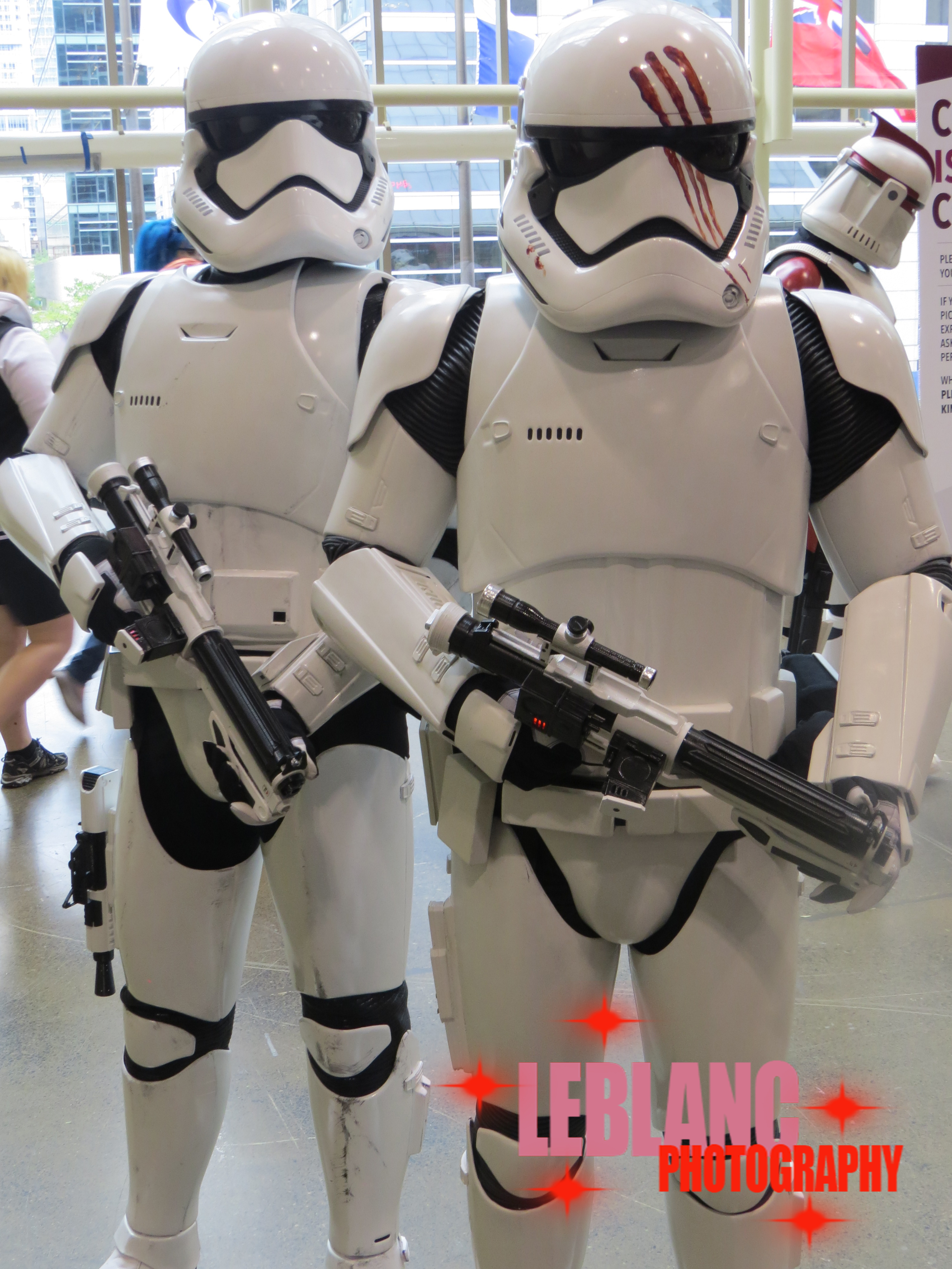 Star Wars Cosplays & The 501st Legion Invade Toronto's Fan Expo Canada 2016