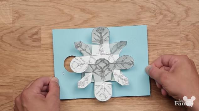 Professional Pop-Up Artist Shares Creative DIY Holiday Card Tutorial