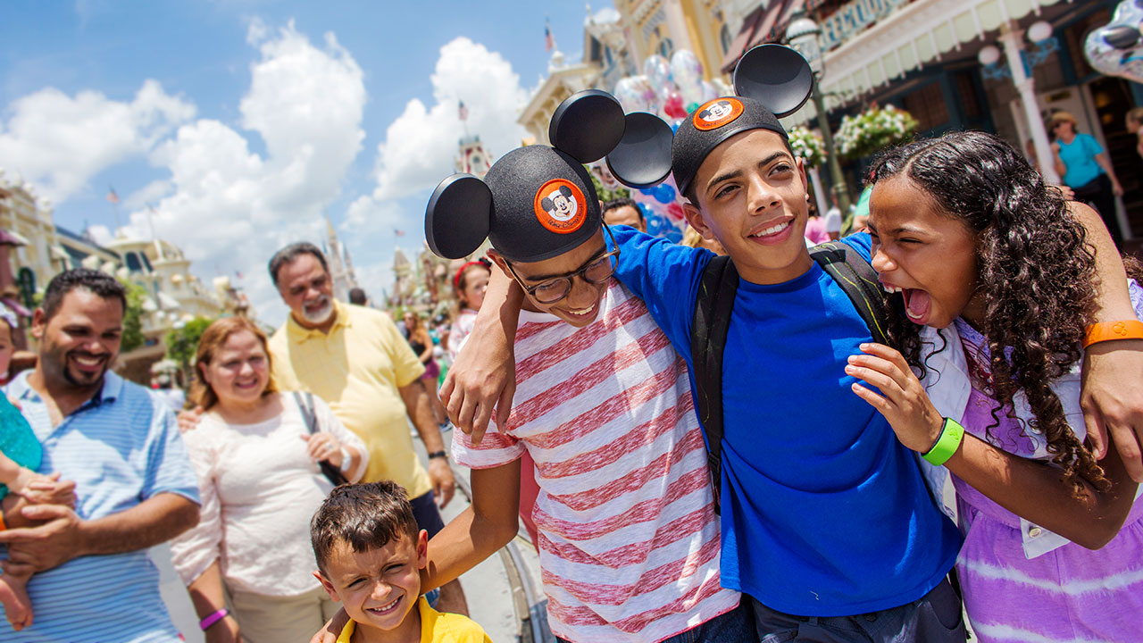 New Opening Hours & Welcome Show Coming To The Magic Kingdom