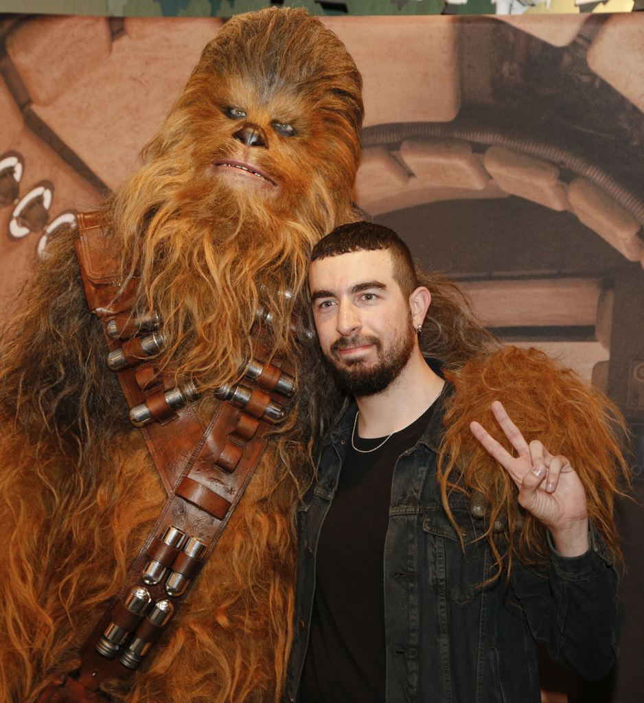 Chewbacca May The 4th Be With You: May The 4th Be With You! Fans Celebrate #RoarForChange