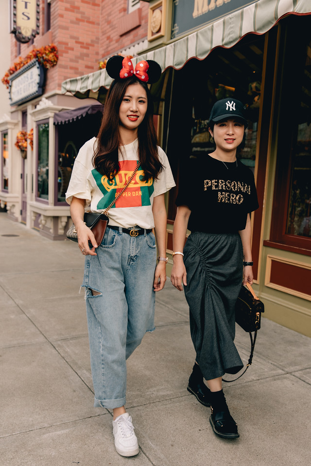 600c3587e47 Vogue Turns Street Style Into Main Street Style To Celebrate The ...